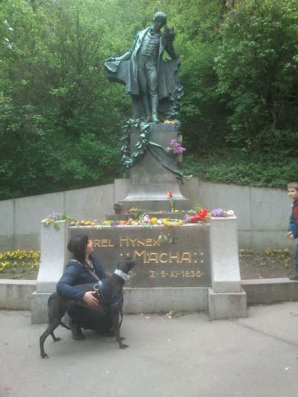 ...bylo třeba zajít k Máchovi na Petřín.